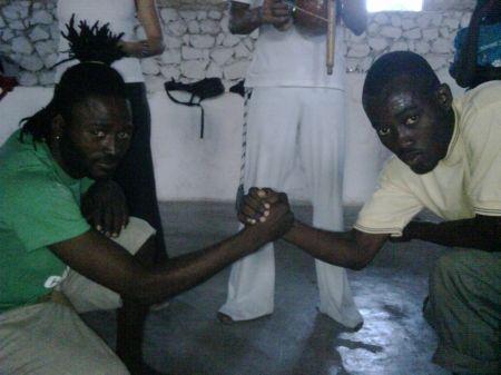 """Portal Capoeira O """"Iê"""": mais que um cumprimento, uma oportunidade para o aprendizado Capoeira sem Fronteiras"""