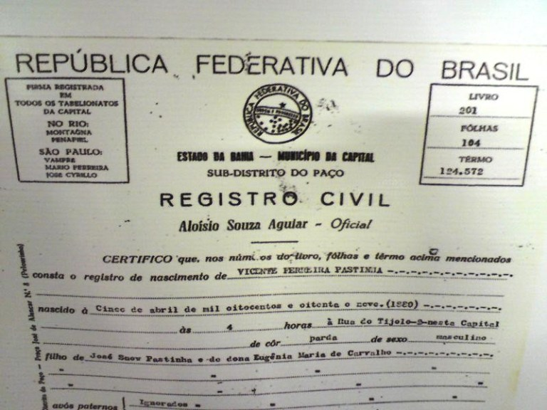 História: Certidão de nascimento de Mestre Pastinha