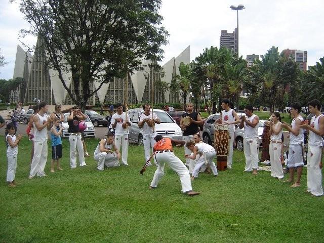 Portal Capoeira Maringá: Grupo Muzenza promove encontro de capoeiristas Eventos - Agenda