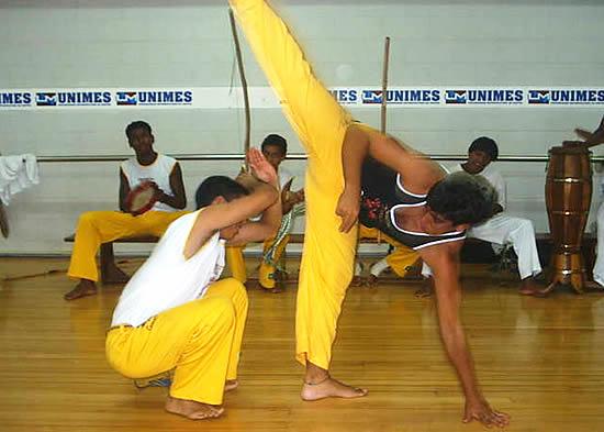 Portal Capoeira A capoeira como ferramenta par a preparação física e treinamento do futebol Publicações e Artigos