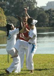 Portal Capoeira Mulheres - Vale a pena conhecer Capoeira Mulheres