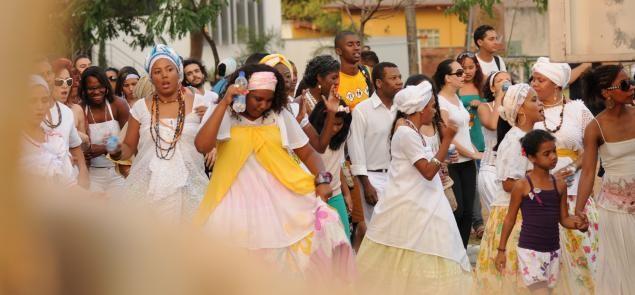 Portal Capoeira 3ª Caminhada em Homenagem aos Mestres da Tradição Afro-brasileira ressalta a força das matriarcas negras Cultura e Cidadania