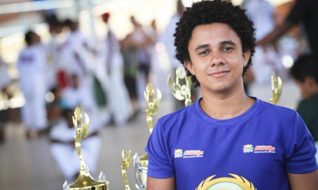 Portal Capoeira Aracajú: Atleta da PMA brilha na capoeira sergipana e brasileira Notícias - Atualidades