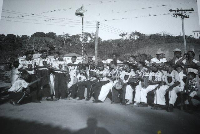 """A """"bateria"""" da Angola de Pastinha: A organização dos berimbaus"""