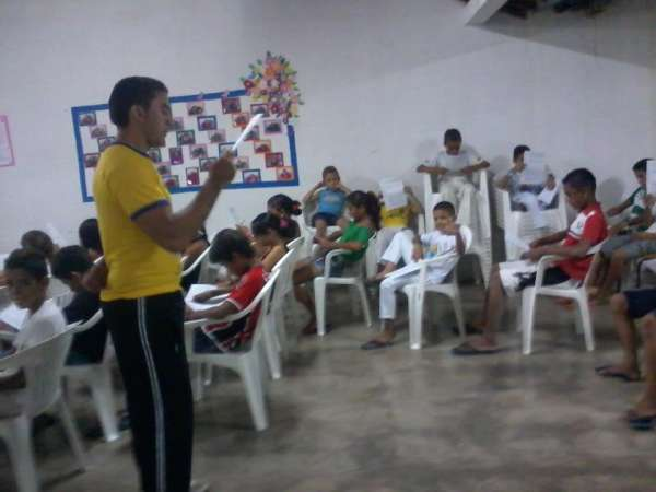 Portal Capoeira Buriti dos Montes: Profeesor de Capoeira realiza Palestra Sobre Drogas Cidadania