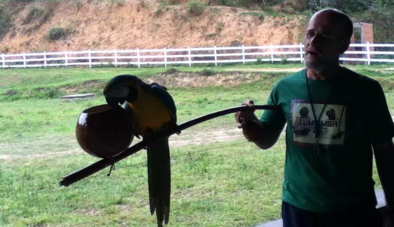 Baiano radicado no Rio, Mestre Camisa levou a capoeira a mais de 60 países