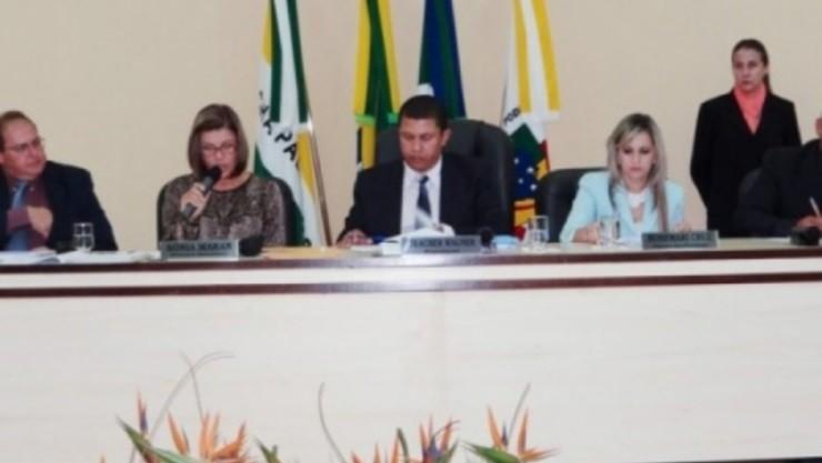 Portal Capoeira Chapadão do Sul: Presidente Wagner quer aulas de capoeira para crianças e jovens Cidadania