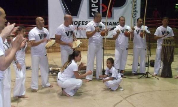 """Portal Capoeira Grupo """"Capoeira Vip"""" convida cuiabanos para evento no colégio Presidente Médici Eventos - Agenda"""