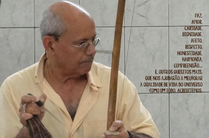 Boas Festas: Mestre Gladson e alunos da Projete Liberdade Capoeira