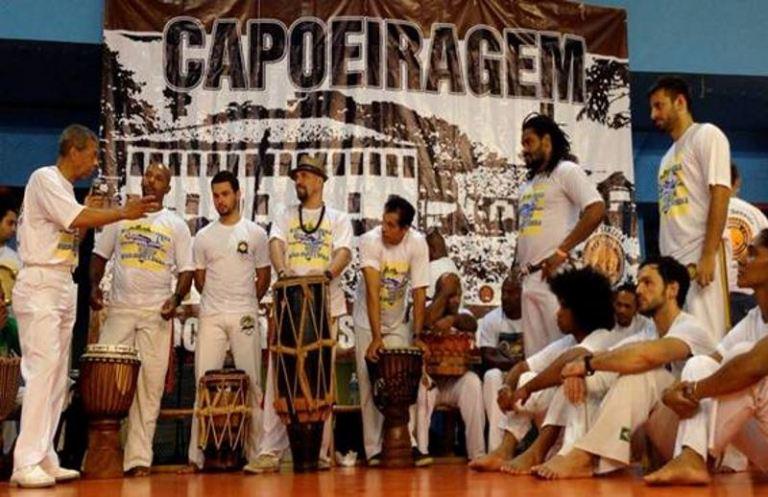 Capoeira é atração na Praça Victor Civita