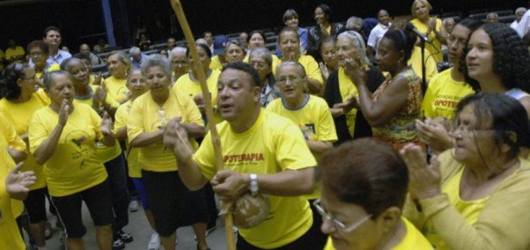 Portal Capoeira Capoterapia para terceira idade utiliza o lúdico da capoeira como terapia Cidadania