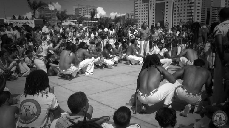 Portal Capoeira A EVOLUÇAO DA CAPOEIRA NO MUNDO Fundamentos da Capoeira Papoeira