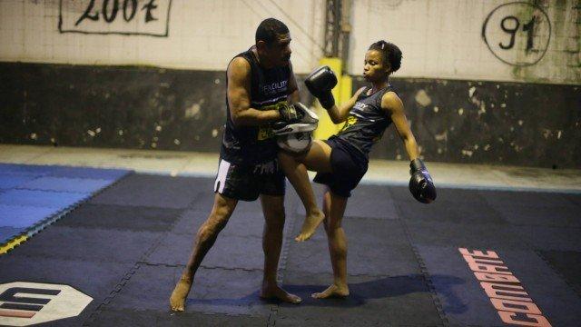 """Lutador com projeto social é o Madureira, personagem de """"Malhação"""", da vida real Capoeira Portal Capoeira 1"""