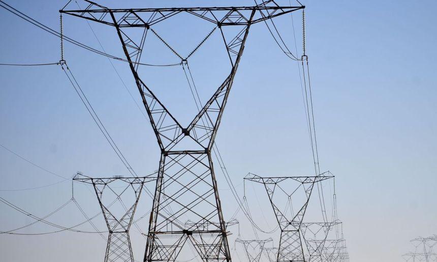 Oferta de energia elétrica requer muita atenção