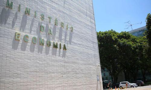 André Lara Resende: 'Investimento público é mais importante que juro baixo tanto para atenuar os efeitos da recessão como no longo prazo'