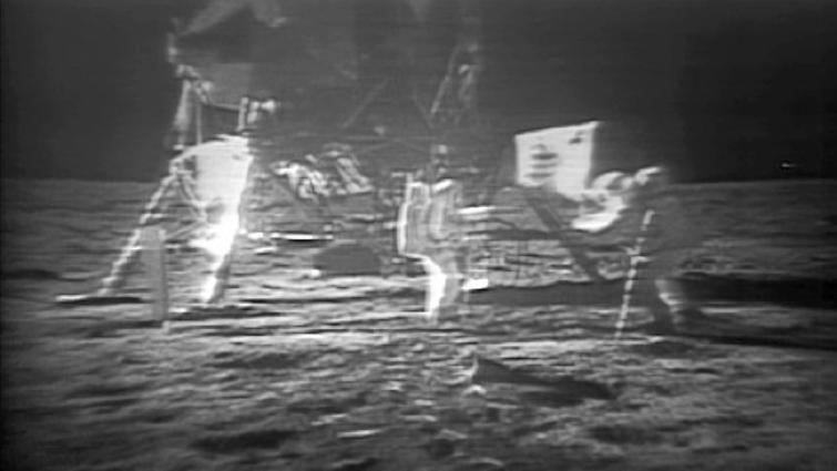 Pedaços da vida do primeiro homem na Lua
