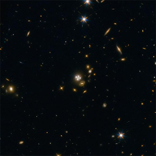 Lentes gravitacionais ajudam a medir expansão do Universo: mais rápida do que o esperado