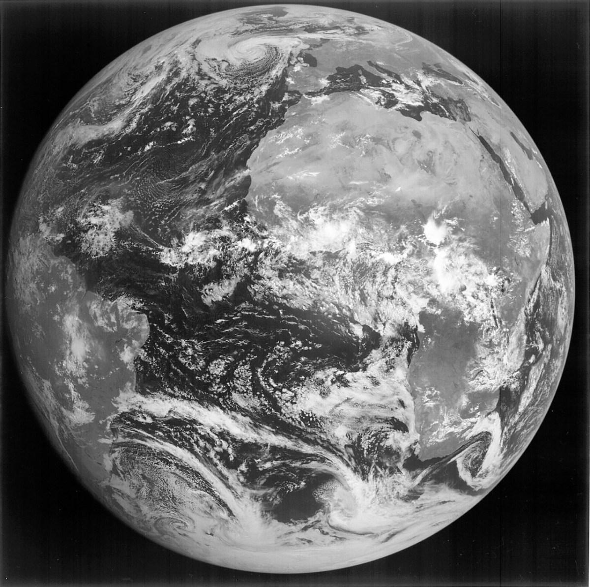 Onde vão morrer os satélites mais antigos?