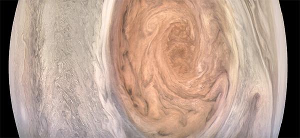 Grande Mancha Vermelha de Júpiter - por Kevin Gil.l