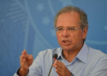 O ministro da Economia, Paulo Guedes. fala à imprensa no Palácio do Planalto
