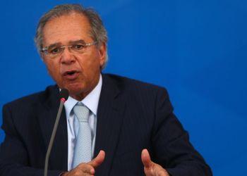 Ministro da Economia, Paulo Guedes, participam da coletiva de imprensa no Palácio do Planalto, sobre as ações de enfrentamento e o avanço da covid-19 no país