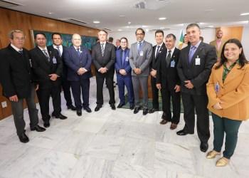 CONSELHO REGIONAL DE EDUCAÇÃO FÍSICA PARTICIPA DE REUNIÃO COM BOLSONARO E DISCUTE TEMAS IMPORTANTES PARA A CATEGORIA