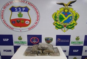 MULHERES SÃO PRESAS COM DROGAS AVALIADAS EM MAIS DE R$ 90 MIL