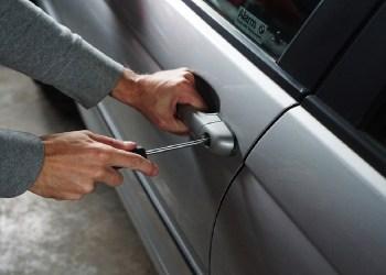 PM localiza nove veículos com restrições de roubo e furto