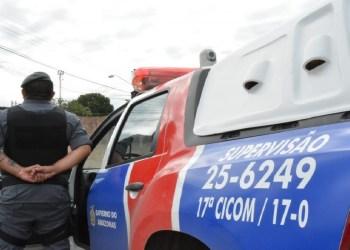 No interior, PM prende dez pessoas e apreende mais de R$ 7 mil