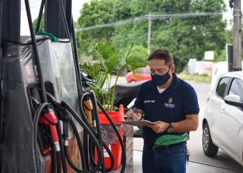 Gasolina comum tem média de preço de R$ 3,71 em Manaus, aponta pesquisa do Procon-AM