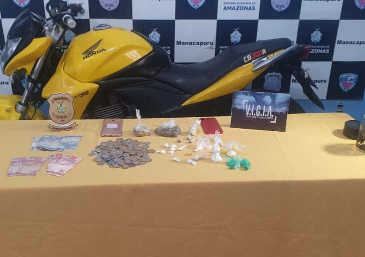 PC prende dupla em flagrante por tráfico de drogas em Manacapuru