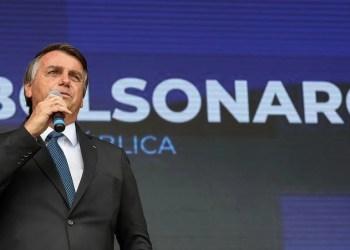 Jair Bolsonaro reclama: 'Tem que deixar de ser um país de maricas'