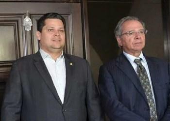 Guedes recebe Alcolumbre para discutir 'calamidade' no Amapá
