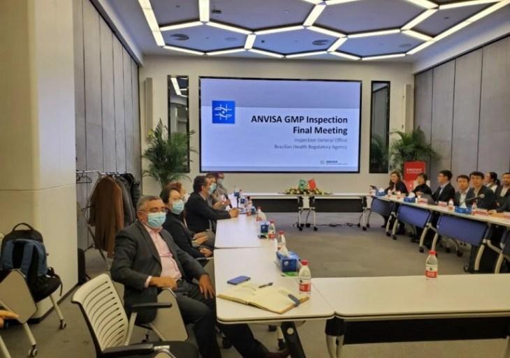 Anvisa faz inspeção na Sinovac, na China, e foto chama atenção