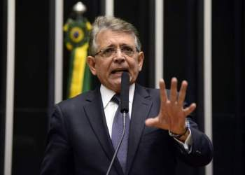 David Almeida escolhe Pauderney para secretário de Educação