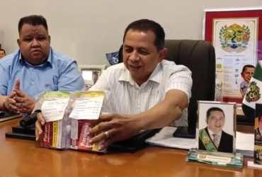 Prefeito de RPE-AM distribui KIT com invermectina para população