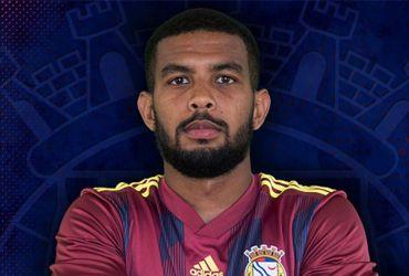 Alex Sandro dos Santos Apolinário é um jogador de futebol profissional brasileiro que joga no clube português F.C. Alverca como meio-campo ofensivo.