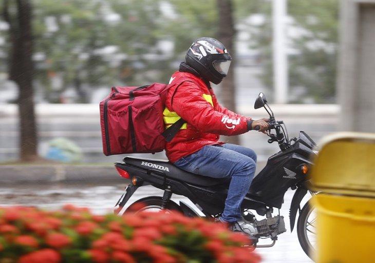 Decreto de governo do Amazonas obriga empresas demitirem motoboys