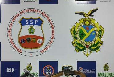 Policiais da Base Arpão apreendem drogas e armas após denúncias anônimas