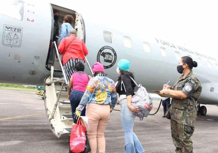 Governo do Amazonas transfere pacientes da FCecon para o Rio de Janeiro