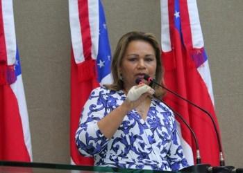 Juíza dá 20 dias para que prefeitura de Manaus e Estado adquiram vacinas