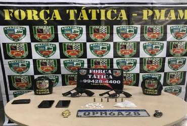 PM detém trio por porte ilegal de arma de fogo e tráfico de drogas na zona oeste