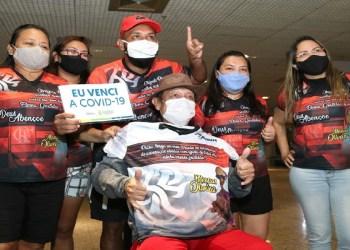 Primeiro paciente transferido do Amazonas para tratamento contra a Covid-19 retorna com homenagem de 'torcedores'