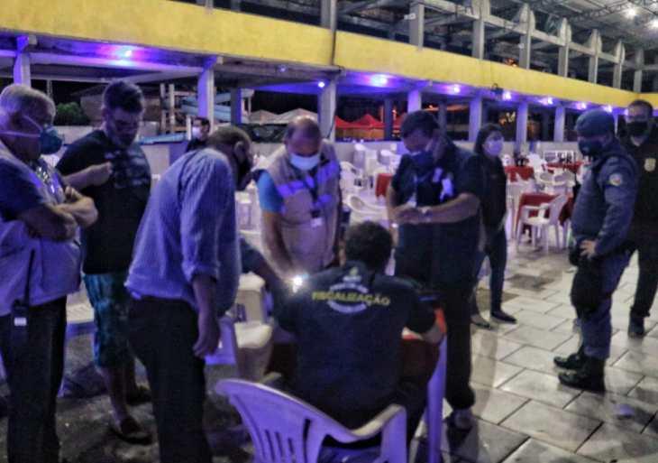 CIF fecha festa clandestina com cerca de 300 pessoas neste domingo (21/03), em Manaus