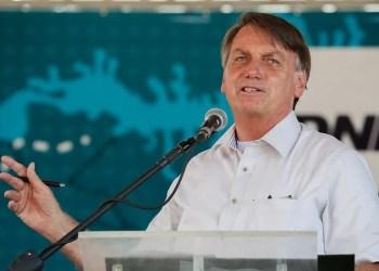 Bolsonaro promete 400 milhões de vacinas até fim de 2021
