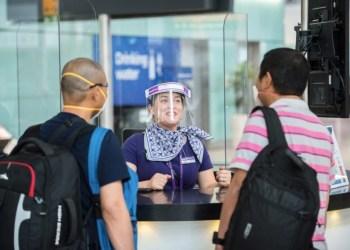 Anvisa proíbe máscaras de acrílico nos aeroportos