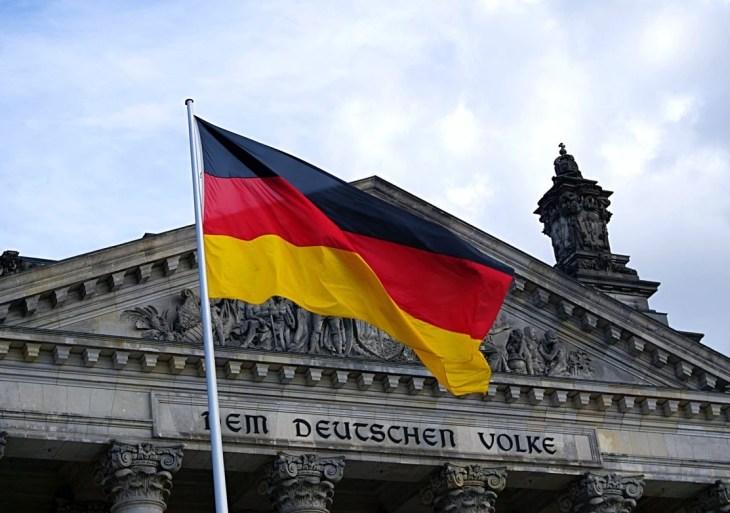 Alemanha envia doação de 80 respiradores ao Brasil