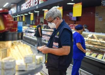 Procon-AM apreende mais de 40 kg de produtos em estabelecimento na zona centro-oeste