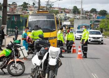 IMMU realiza operação conjunta para coibir infrações de trânsito em Manaus