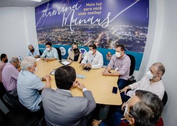 Prefeitura se reúne com empresas para alinhar últimos ajustes em obra do viaduto do Manoa